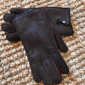 Leather ugg gloves
